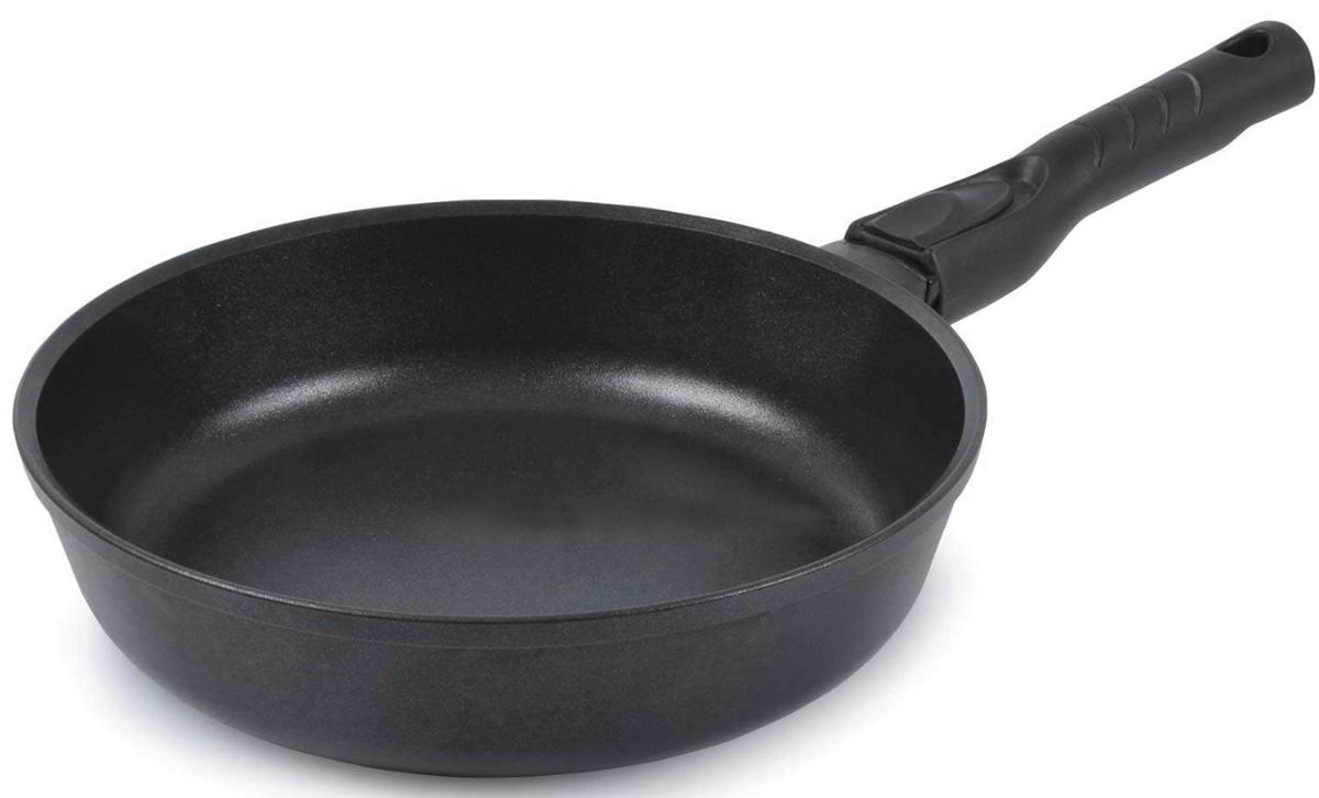 Сковорода TimA Шеф, со съемной ручкой, с антипригарным покрытием. Диаметр 22 см22101ПСковорода TimA Шеф имеет форму, идеально подходящую как для жарки, так и для тушения пищи. Это достигается увеличенной высотой стенок и формой, слегка расширяющейся кверху. Корпус сковороды изготовлен по принципу золотого сечения, т.е. имеет оптимальное соотношение толщины дна (7 мм) и стенок (4 мм). Это предотвращает деформацию изделия и повышает теплопроводность во время эксплуатации, экономит энергию, обеспечивает их долгий срок службы. Сковорода Шеф имеет усовершенствованное двухслойное антипригарное покрытие GREBLON ЕСО (Германия), которое является одним из лучших в своём классе. По стандарту гигиенической сертификации оно относится к безопасному покрытию, без использования PFOA и PTFE. .Специально разработанная эргономичная бакелитовая ручка для сковороды Шеф очень удобна в эксплуатации, не скользит и не нагревается. Это позволяет сделать использование сковороды комфортным и безопасным.Подходит для использования на всех типах плит, кроме индукционных.