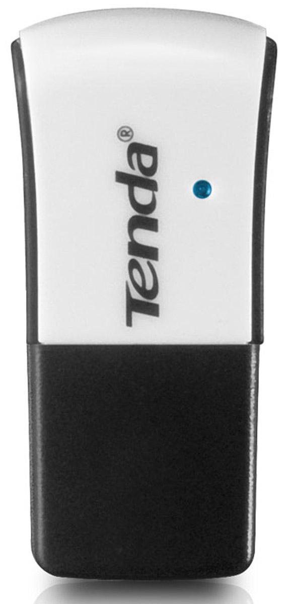 Tenda W311M беспроводной USB-адаптер235045Tenda W311M - беспроводной USB-адаптер, обладающий в 3 раза большей скоростью передачи данных, чем устройства предыдущего поколения. Включенный в USB-порт настольного или портативного компьютера, W311M соединяет его с беспроводной сетью, давая доступ в Интернет и/или к совместно используемым файлам. Этот миниатюрный адаптер подойдет любителям онлайн игр, Интернет-серфинга и HD видео. Совместимый со стандартом 802.11n, этот адаптер позволяет установить связь с клиентским устройством на расстоянии в три раза большем, чем устройство, работающее по протоколу 802.11g. Wi-Fi Protected Setup (WPS) позволяет настроить беспроводную сеть простым нажатием кнопки WPS, минуя сложный процесс настройки безопасности. Кроме того, адаптер поддерживает расширенные настройки сетевой защиты: 64/128-битное WEP, WPA/WPA2 шифрование.Поддерживая режим Soft AP, адаптер может работать как точка доступа. Таким образом, вы сможете превратить любой ПК или ноутбук с проводным подключением в точку доступа Wi-Fi, давая многочисленным пользователям мобильных устройств доступ в Интернет и к электронной почте, делая возможным загрузку и передачу файлов с помощью беспроводных технологий.