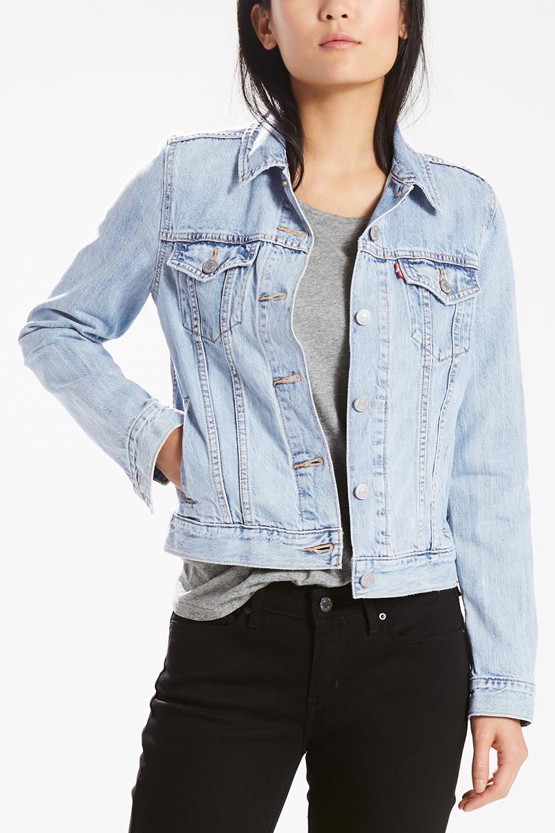 Куртка женская Levis® Trucker, цвет: голубой. 2994500260. Размер XS (42)2994500260Куртка из денима прямого силуэта и идеальной длины. Универсальная классика дополнит любой образ.