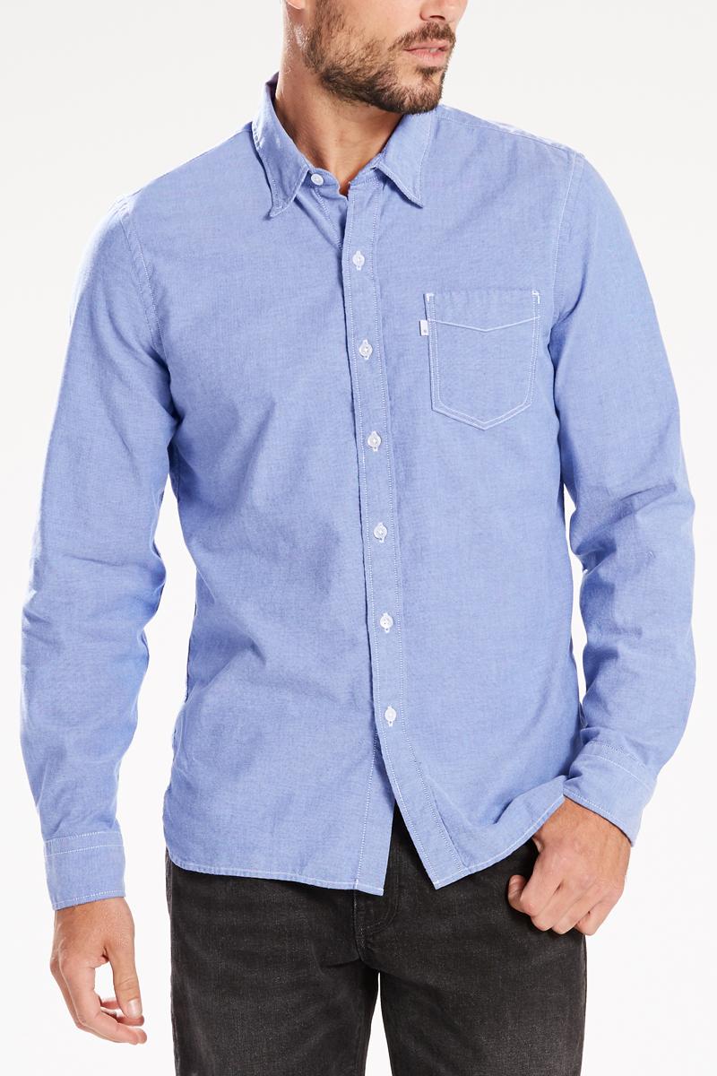 Рубашка мужская Levis®, цвет: голубой. 6582403370. Размер L (50)6582403370Классическая приталенная рубашка с одним карманом универсальна и никогда не выходит из моды. Модель имеет нагрудный карман, пуговицы из натурального перламутра, петлю сзади, укрепленные вставки, воротник со скрытой пуговицей и бантовую складку на спинке.
