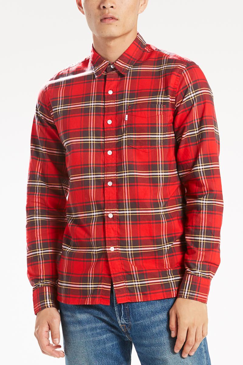 Рубашка мужская Levis®, цвет: красный, зеленый. 6582403500. Размер S (46)6582403500Классическая приталенная рубашка с одним карманом из мягкого легкого хлопка универсальна и никогда не выходит из моды. Модель имеет нагрудный карман, пуговицы из натурального перламутра, петлю сзади, укрепленные вставки, воротник со скрытой пуговицей и бантовую складку на спинке. Ткань с технологией термоизоляции.