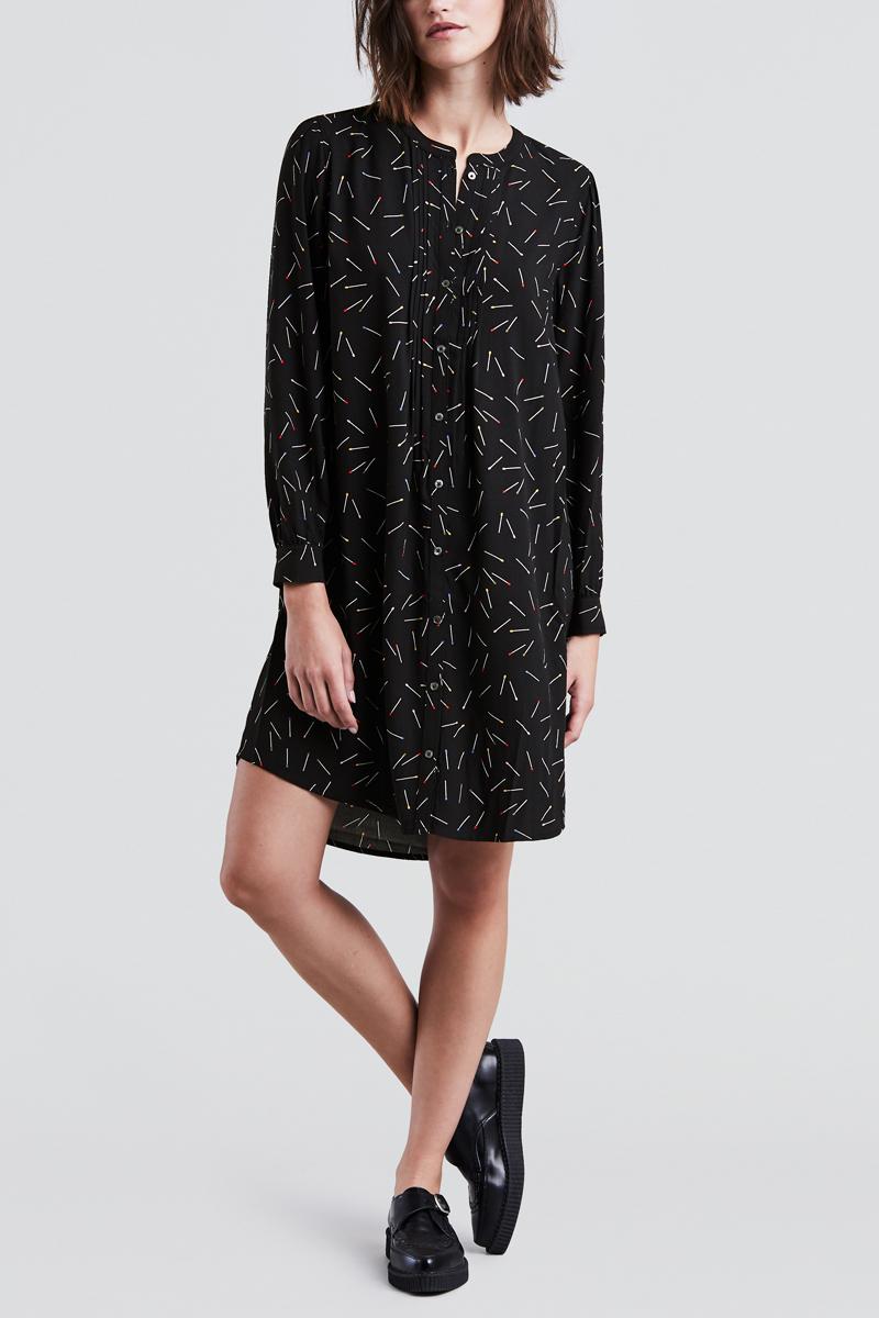 Платье Levis®, цвет: черный. 3985400000. Размер L (48/50)3985400000Платье рубашка из летящего материала с округлым вырезом.