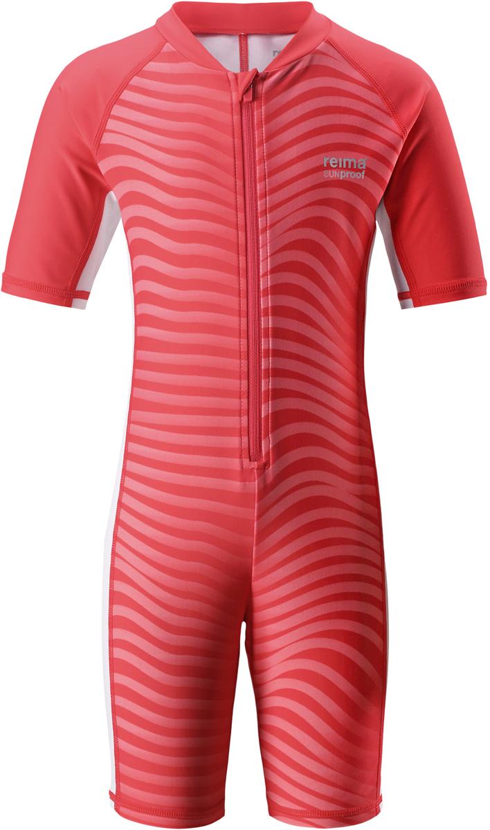 Купальный костюм детский Reima Galapagos, цвет: красный, розовый. 5262913342. Размер 1285262913342Этот цельный купальный костюм от Reima сделает принятие солнечных ванн безопасными. купальный костюм для детей из материала SunProof предназначен как для веселых плесканий в воде, так и для игр на пляже. Купальный костюм обеспечивает эффективную защиту от вредных солнечных лучей вплоть до локтей и колен благодаря УФ-фильтру 50+. Еще этот эластичный материал быстро сохнет, а молния спереди облегчает процесс одевания.
