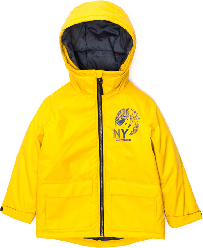 Куртка для мальчика Acoola Greenwich, цвет: желтый. 20120130112_1200. Размер 12220120130112_1200Куртка изготовлена из плотного качественного полиэстера. Воротник-стойка, застежка-молния с защитой подбородка, накладные карманы с клапанами на кнопке. Внутренний низкий воротник из трикотажа, кулиска на талии и потайной карман на липучке. Манжеты с хлястиками на липучке.
