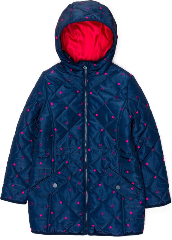 Пальто для девочки Acoola Buddie, цвет: темно-синий. 20210610025_600. Размер 14020210610025_600Стеганое пальто с набивным принтом и яркой подкладкой. Модель с капюшоном, имеется внутренняя кулиска на талии, застежка-молния с защитой подбородка. Прорезные карманы с клапанами на кнопке по бокам.
