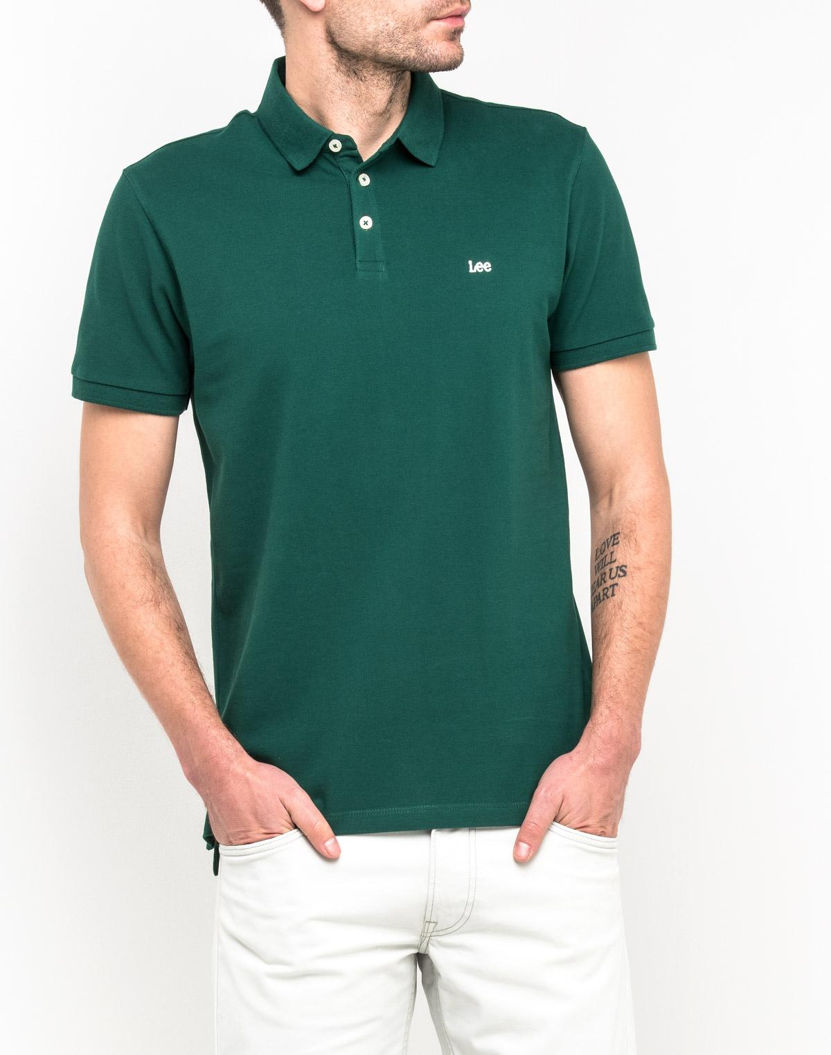 Поло мужское Lee, цвет: зеленый. L62XRLEB. Размер XXL (54)L62XRLEBСтильная мужская футболка-поло Lee, выполненная из натурального хлопка, обладает высокой теплопроводностью, воздухопроницаемостью и гигроскопичностью, позволяет коже дышать. Модель с короткими рукавами и отложным воротником сверху застегивается на три пуговицы. По бокам предусмотрены небольшие разрезы. На груди изделие оформлено вышитым названием бренда. Классический покрой, лаконичный дизайн, безукоризненное качество. В такой футболке вы будете чувствовать себя уверенно и комфортно.