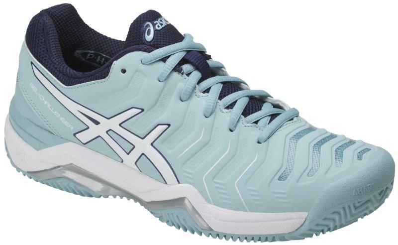 Кроссовки женские Asics Gel-Challenger 11 Clay, цвет: голубой. E754Y-1401. Размер 6H (36)E754Y-1401Теннисные кроссовки с улучшенными техническими характеристиками GEL-CHALLENGER 11 Clay обеспечивают ногам комфорт и позволяют легче двигаться по кортам любого вида, в том числе по грунтовым. Технология Personal Heel Fit с эффектом памяти обеспечивает индивидуальную облегающую посадку, делая обувь более комфортной по мере носки. Система амортизации Gel в задней и основной части ступни поглощает удар при приземлении, делая его мягче, а защита пальцев PGuards toe protector гарантирует выносливость. Эта новая модель обеспечивает исключительный комфорт благодаря Системе амортизации в задней и передней части Rearfoot and Forefoot GEL®, а также большую устойчивость в средней части стопы благодаря технологии Flexion Fit® для верха кроссовка. Она идеальна для игры в любительский теннис.