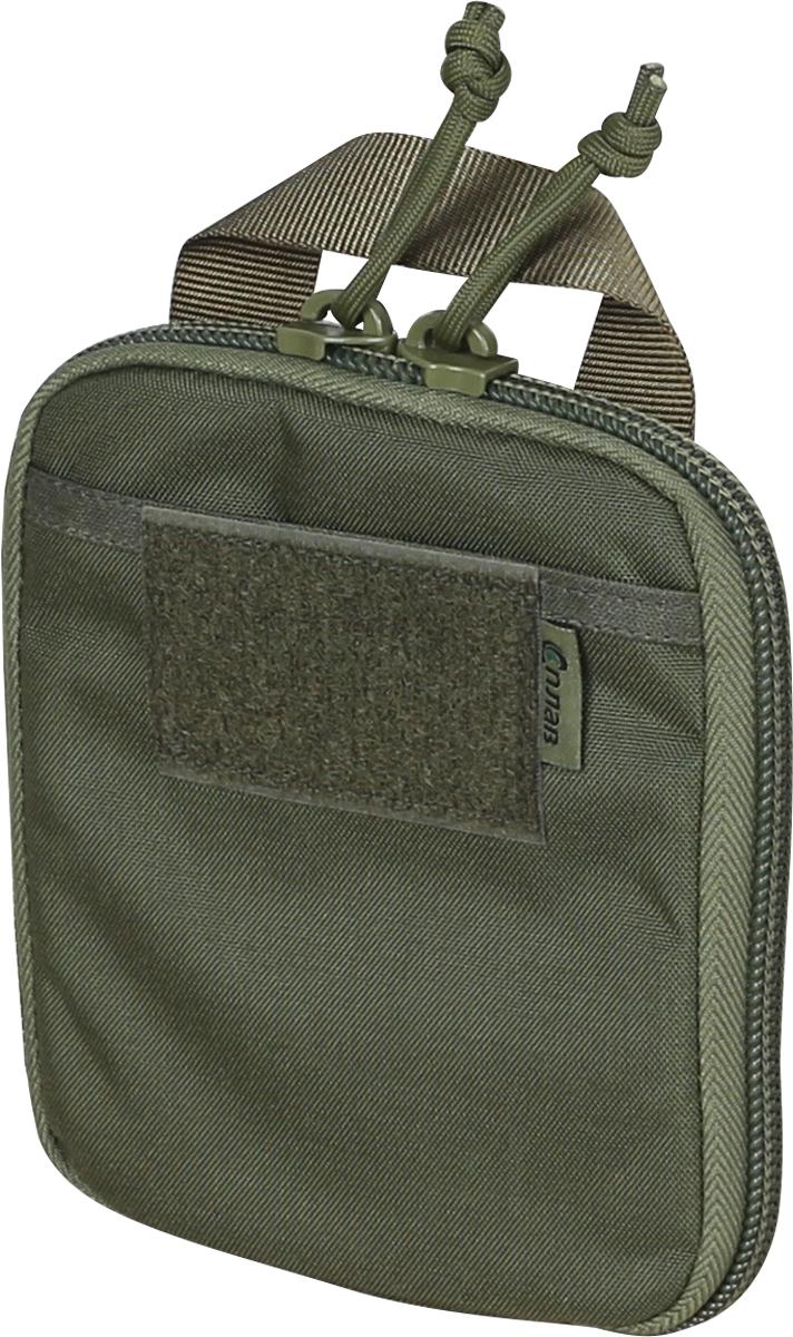 Органайзер карманный Сплав, цвет: оливковый. 41481964148196Подсумок-органайзер на молнии для удобного размещения мелочей, предназначен для ношения в грузовых карманах тактических и полевых брюк, а также внутри рюкзаков и сумок. При этом может использоваться и как обычный подсумок, прикрепленный снаружи снаряжения. Подсумок имеет минимальную толщину, выступающие и зацепляющиеся элементы конструкции (клипсы, полукольца) отсутствуют. Благодаря этому он легко размещается внутри различных карманов и отделений снаряжения. На задней стенке нашита простая ручка из стропы для быстрого извлечения.На фронтальной поверхности плоский карман из ткани со входом сверху (удобен для ручек, блокнотов, карточек и др. предметов требующих быстрого доступа). Сверху на карман нашита липучка-петля для крепления шевроновОсновное отделение на двухзамковой молнии. Молния пришита непосредственно к задней и передней стенке для минимизации толщины подсумка, и расстегивается полностью до самого дна. Вместо металлических язычков используются петли из паракорда (бесшумны, невозможно сломать).Внутренняя организация задней стенки: плоский карман из ткани Oxford 210d со входом сверху, на который нашиты три ряда резинок (38 мм, 25 мм, 25 мм) друг над другом в один слой.Резинки разделены закрепками на три ряда ячеек одинаковой ширины (размер оптимален для типичных мультитулов, небольших фонарей, складных ножей и т.п. предметов).К верху пришита петля из тесьмы для подвеса предметов на карабин (ключи, брелки и т.п.).Внутренняя организация передней стенки: плоский карман из ткани Oxford 210d со входом сверху, на молнии (защита от выпадения мелочей), на который нашиты три ряда резинок (38 мм, 25 мм, 25 мм) друг над другом. Резинки разделены закрепками на два широких ряда ячеек и один узкий (ручки, маркеры).К верху пришита петля из тесьмы для подвеса предметов на карабин.Такое расположение резинок (друг над другом в один слой) позволяет эффективно распределить предметы по максимальной площади. Длинные предмет