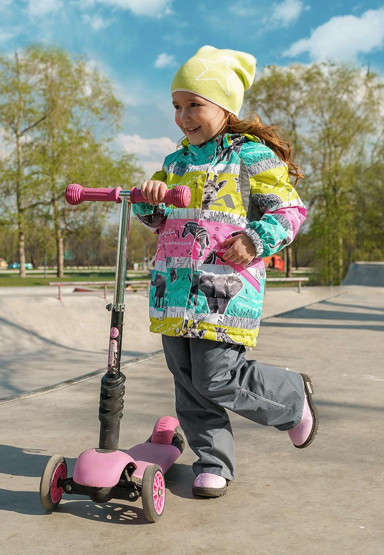 Комплект верхней одежды для девочки Oldos Active Ами, цвет: розовый, мятный. 2A8SU18. Размер 98, 3 года2A8SU18Яркий и технологичный весенний костюм из мембранной коллекции OLDOS ACTIVE состоит из куртки и брюк. Верхняя ткань с мембраной обеспечивает водонепроницаемость, при этом одежда дышит. Покрытие TEFLON повышает износостойкость, а так же облегчает уход за костюмом. Утеплитель в куртке Hollofan PRO. Подкладка в куртке - флис, в брюках - плотный полиэстер. Функционал продуман до мелочей - в куртке: капюшон, который отстегивается при необходимости, двойная ветрозащитная планка, манжеты на резинке, регулировка по талии, карманы на молнии, внутренний карман с нашивкой-потеряшкой, который застегивается на липучку; в брюках: объем талии регулируется, съемные регулируемые по длине лямки, карманы, ветрозащитная муфта с антискользящей резинкой, усиления по низу брюк в местах особого износа. Светоотражающие элементы.