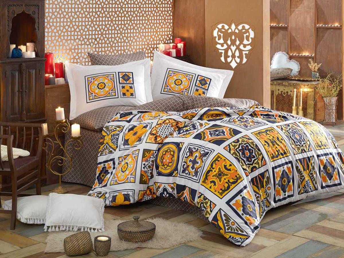 Комплект белья Hobby Home Collection Mozaique, 1,5-спальный, наволочки 50x70, 70х70, цвет: желтый1607000131Поплиновое постельное белье имеет ряд несомненных достоинств: оно хорошо сохраняет форму и цвет, имеет приятную на ощупь поверхность, хорошо удерживает тепло и впитывает влагу, почти не мнется. Кроме этого, комплекты постельного белья из поплина не требуют специального ухода: их можно стирать в стиральной машине при температуре до 60 градусов и гладить при температуре до 110 градусов. Ткань поплин гипоаллергенна, отвечает всем европейским экологическим стандартам.