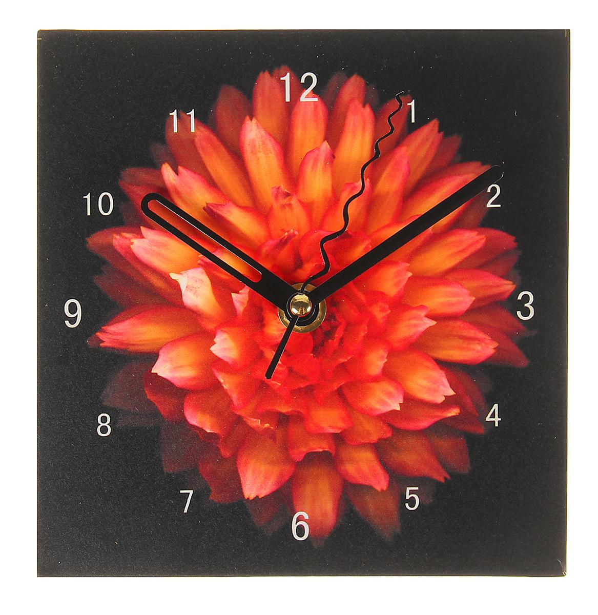 Часы настольные, 15 х 15 см. 10256251025625Каждому хозяину периодически приходит мысль обновить свою квартиру, сделать ремонт, перестановку или кардинально поменять внешний вид каждой комнаты. Часы настольные Астра — привлекательная деталь, которая поможет воплотить вашу интерьерную идею, создать неповторимую атмосферу в вашем доме. Окружите себя приятными мелочами, пусть они радуют глаз и дарят гармонию.