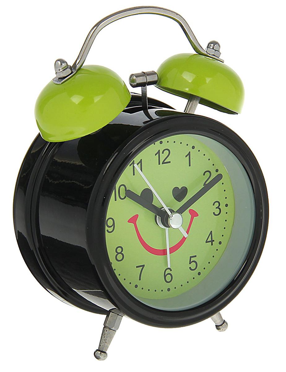 Будильник Мордашка-улыбашка, цвет: зеленый, диаметр 8 см. 16222401622240Каждому хозяину периодически приходит мысль обновить свою квартиру, сделать ремонт,перестановку или кардинально поменять внешний вид каждой комнаты. Будильник -привлекательная деталь, которая поможет воплотить вашу интерьерную идею, создатьнеповторимую атмосферу в вашем доме.Окружите себя приятными мелочами, пусть онирадуют глаз и дарят гармонию.