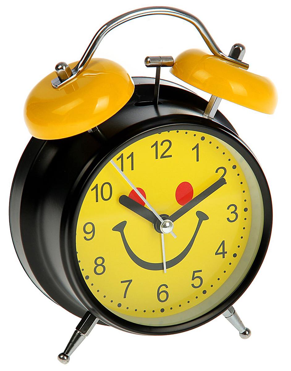 Будильник Мордашка-улыбашка, цвет: желтый, диаметр 11,5 см. 16222411622241Каждому хозяину периодически приходит мысль обновить свою квартиру, сделать ремонт,перестановку или кардинально поменять внешний вид каждой комнаты. Будильник -привлекательная деталь, которая поможет воплотить вашу интерьерную идею, создатьнеповторимую атмосферу в вашем доме.Окружите себя приятными мелочами, пусть онирадуют глаз и дарят гармонию.
