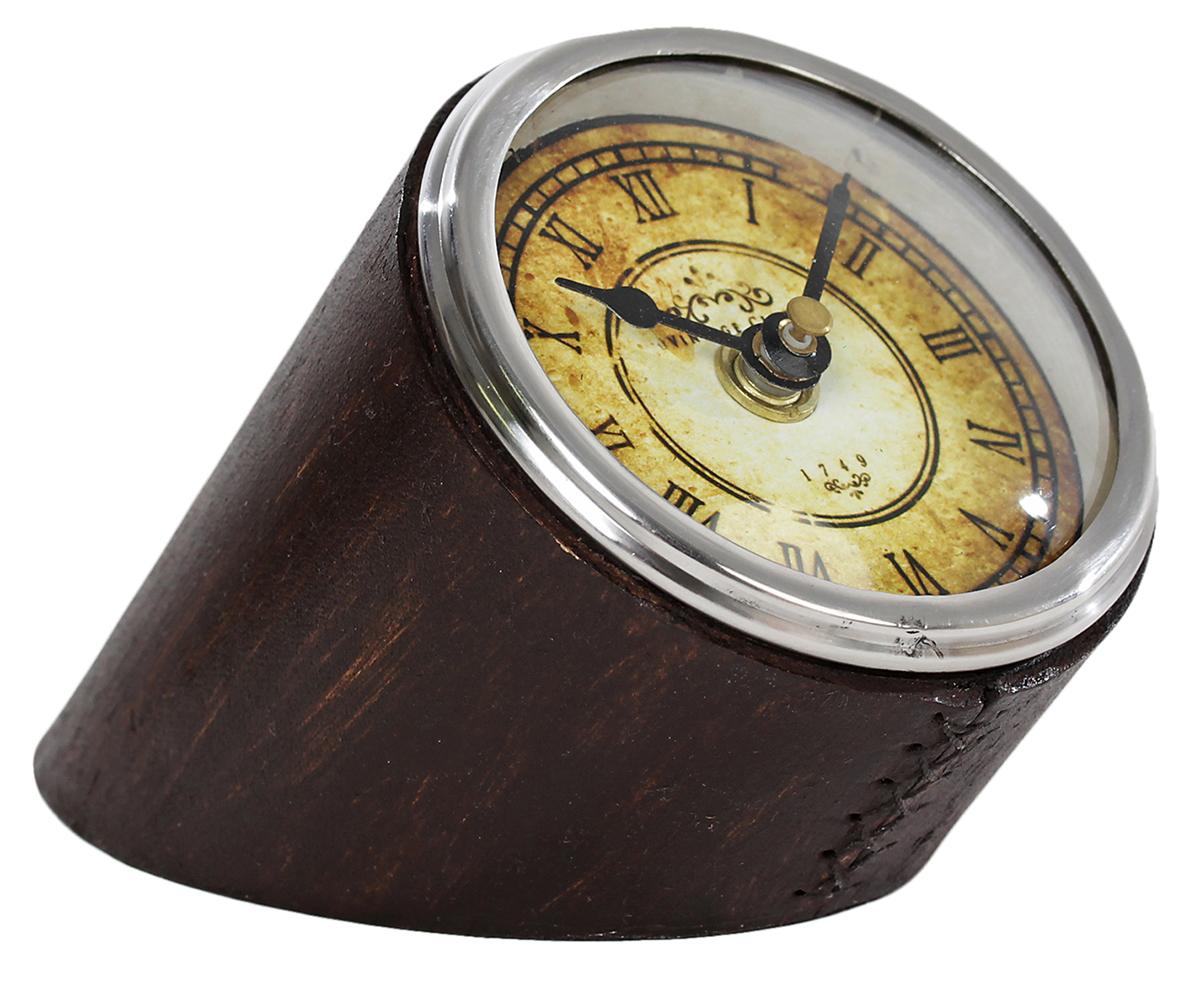 Часы Командир, 12 х 8,5 х 9 см. 23582252358225— сувенир в полном смысле этого слова. И главная его задача — хранить воспоминание о месте, где вы побывали, или о том человеке, который подарил данный предмет. Преподнесите эту вещь своему другу, и она станет достойным украшением его дома. Каждому хозяину периодически приходит мысль обновить свою квартиру, сделать ремонт, перестановку или кардинально поменять внешний вид каждой комнаты. — привлекательная деталь, которая поможет воплотить вашу интерьерную идею, создать неповторимую атмосферу в вашем доме. Окружите себя приятными мелочами, пусть они радуют глаз и дарят гармонию.