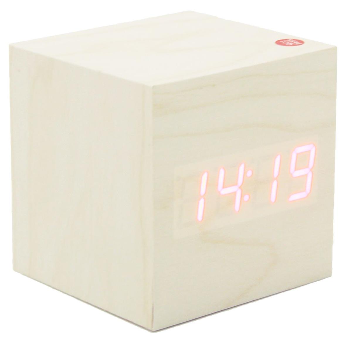 Часы-будильник Кубик. 26031332603133Часы-будильник имеют проекционный дисплей, на котором отображаются время и температура.