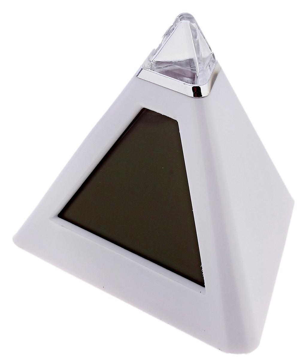 Часы-будильник Luazon Home Пирамида-антистресс. 667977667977Отличный подарок для снятия стресса! Его секрет в том, что но светятся приятным светом и постоянно изменяет цвет — с красного на фиолетовый, с голубого на зелёный (всего семь цветов). Оба этих фактора способствуют уменьшению нервного напряжения и поднятию настроения. Будильник имеет большую площадь под нанесение логотипа (тампопечать). Основные функции: Отображение времени и даты, дня недели; Поддержка 12-часового и 24-часового формата времени; Отображение температуры воздуха по Цельсию и Фаренгейту; 7 цветов подсветки; Функция ежечасной смены цвета подсветки; Функция будильника и сна (8 мелодий). Для работы будильника требуются 3 х ААА батареи (в комплект не входят).