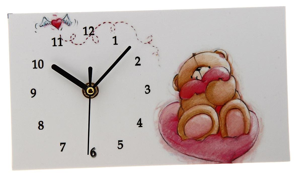 Часы настольные, 13 х 23 см. 723279723279Каждому хозяину периодически приходит мысль обновить свою квартиру, сделать ремонт, перестановку или кардинально поменять внешний вид каждой комнаты. Часы настольные Мишка в обнимку с сердечком — привлекательная деталь, которая поможет воплотить вашу интерьерную идею, создать неповторимую атмосферу в вашем доме. Окружите себя приятными мелочами, пусть они радуют глаз и дарят гармонию.