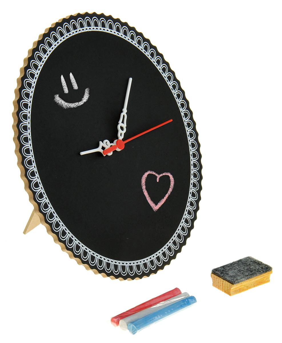 Часы Круг, с мелком 23,6 х 23,6 см. 836796836796Приятнее, чем с головой погрузиться в творческий процесс, может быть только ощущение наслаждения результатами своей деятельности. Часы настольные для рисования Круг понравятся и взрослым, и детям, начинающим раскрывать свой талант. Ведь это не просто часы, а отличный способ приятно и с пользой провести время. Вы сами создаете их уникальный стиль! Вам нужно просто, проявив фантазию, раскрасить часы в свои любимые цвета. Когда всё готово, остаётся вставить в часовой механизм батарейку (не входит в комплект) и поставить часы на самое видное место!