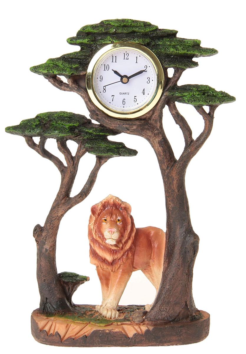 Часы настольные Лев под деревьями, 13,5 х 20,5 см. 872897872897Каждому хозяину периодически приходит мысль обновить свою квартиру, сделать ремонт, перестановку или кардинально поменять внешний вид каждой комнаты. Часы настольные Лев под деревом — привлекательная деталь, которая поможет воплотить вашу интерьерную идею, создать неповторимую атмосферу в вашем доме. Окружите себя приятными мелочами, пусть они радуют глаз и дарят гармонию.