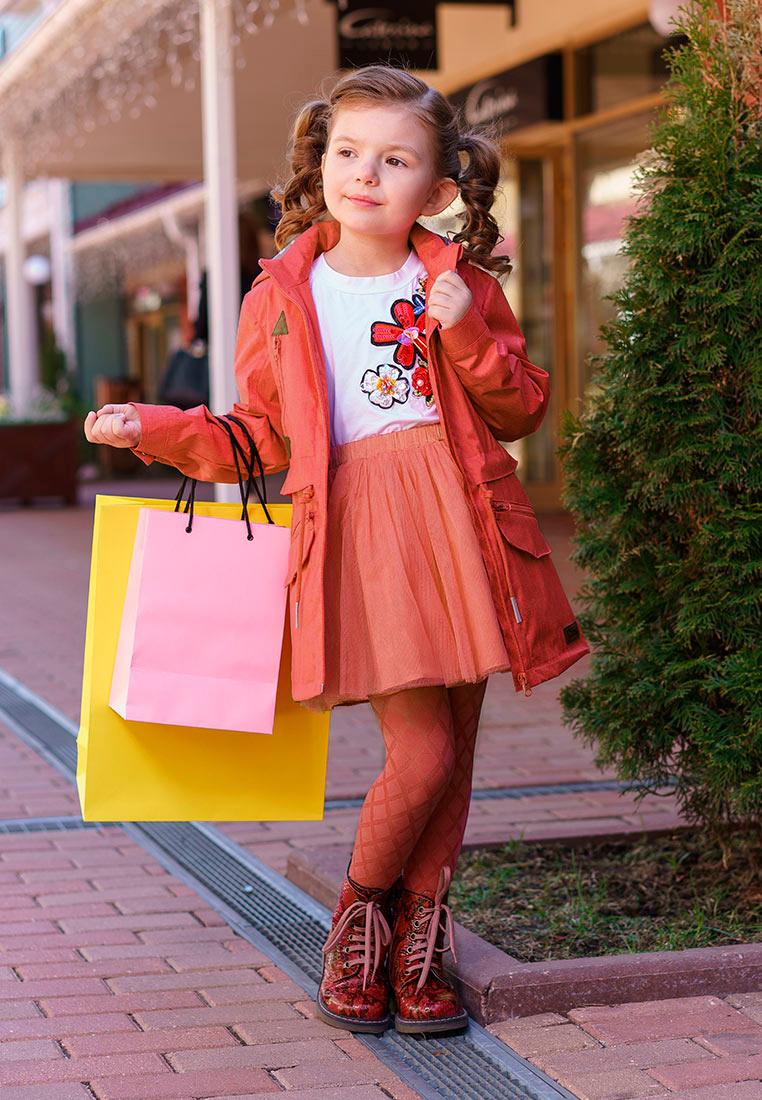 Куртка для девочки Oldos Лоли, цвет: розовый. 3O8JK05. Размер 110, 5 лет3O8JK05Куртка от OLDOS для юных модниц. Внешняя ткань с водо-грязеотталкивающей пропиткой защищает от ветра и дождя. Принтованная подкладка из бязи - 65% полиэстер, 35% хлопок. Съемный капюшон, внутренняя резинка по краям для лучшего прилегания, ветрозащитная планка по всей длине молнии с защитой подбородка, регулируемая утяжка по талии на шнурке, карманы на молнии с декоративным клапаном, манжеты на кнопке. Светоотражающие элементы.