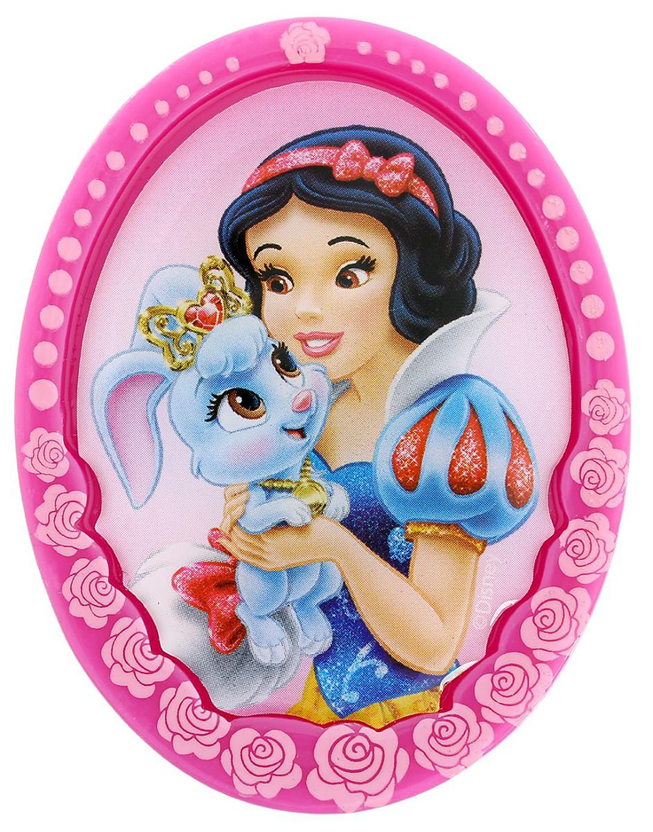 Магнит-рамка Disney Белоснежка, 4,6 х 6 см. 12568531256853Дарите радость с Disney Удивите малышей уникальным сувениром с любимым персонажем! Он порадует ребёнка стильным дизайном и ярким исполнением. Красочный акриловый магнит будет долгие годы украшать холодильник или другую металлическую поверхность. Изделие дополнено оригинальной открыткой, где можно написать тёплые слова и сделать маленький подарок более личным. Соберите коллекцию аксессуаров с любимыми героями!