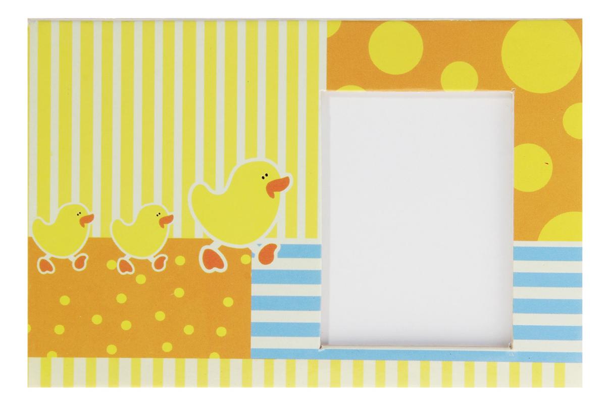 Фоторамка Утята, цвет: желтый. 159385159385Каждому хозяину периодически приходит мысль обновить свою квартиру, сделать ремонт, перестановку или кардинально поменять внешний вид каждой комнаты. — привлекательная деталь, которая поможет воплотить вашу интерьерную идею, создать неповторимую атмосферу в вашем доме. Окружите себя приятными мелочами, пусть они радуют глаз и дарят гармонию.