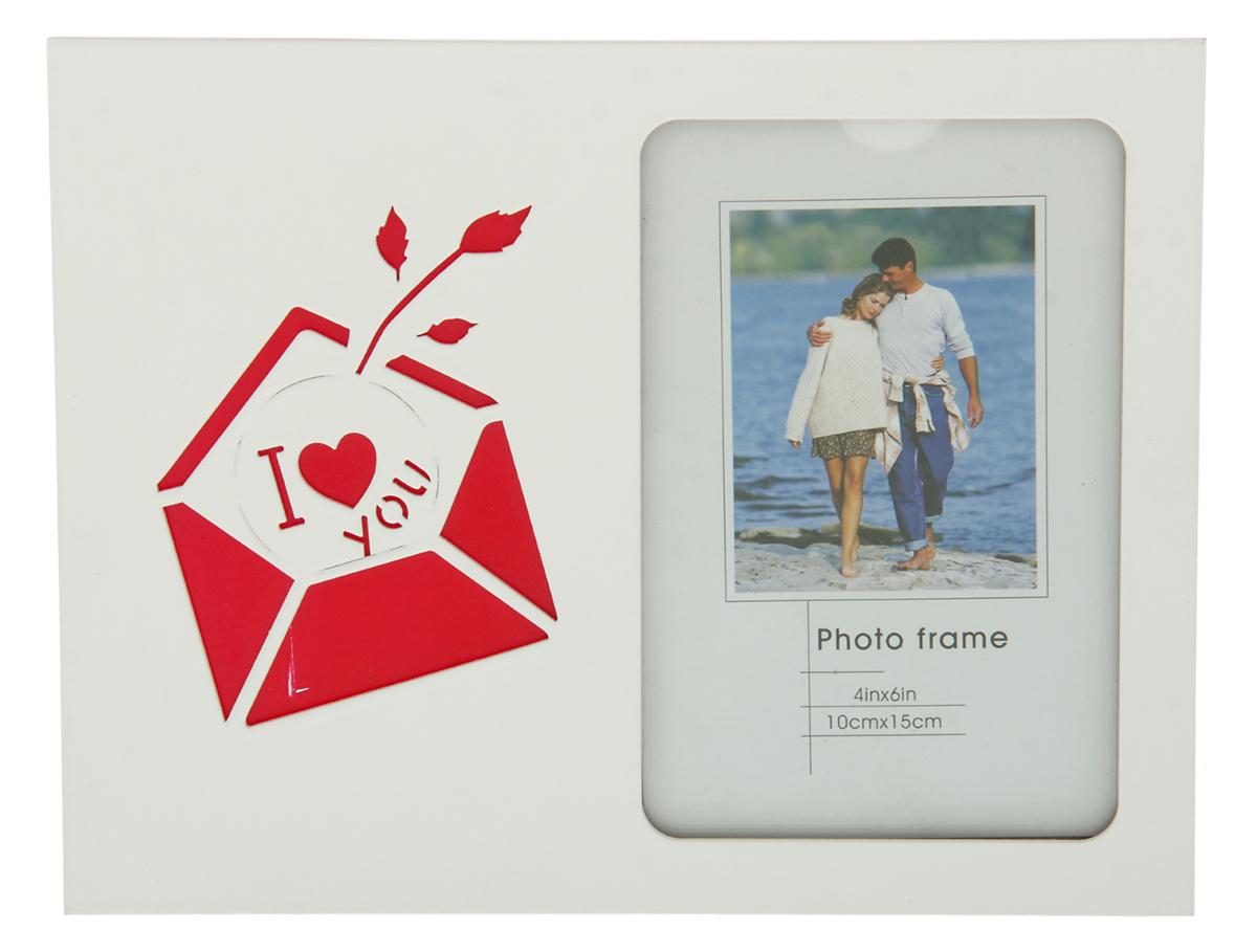 Фоторамка Письмо I Love you, резная, 10 х 15 см. 799670799670Фоторамка Письмо: I Love you резная для фото 10х15 см - станет отличным подарком на День всех влюбленных. А ведь с помощью этой фоторамки можно сделать «первый шаг» - приглашая Вашу возлюбленную на свидание, фоторамка как-бы без слов скажет о Ваших истинных намерениях и теплых чувствах. Представьте, как великолепно будет смотреться Ваша совместная фотография в таком ярком обрамлении.