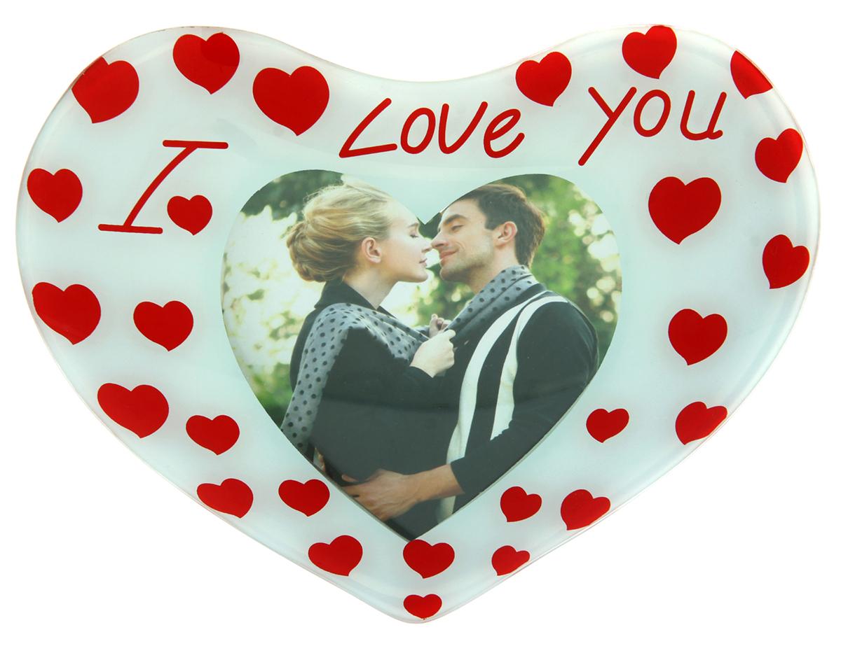 Фоторамка Объемное сердце I Love you. 845843845843Если Вы думаете о том, как порадовать вторую половинку в канун Дня Всех Влюбленных, взгляните на эту изящную фоторамку! Поместите в нее совместную фотографию и поставьте туда, где Вы сможете любоваться ею в любое время – скажем, на рабочий стол. В этом случае она позволит время от времени отвлечься от дел и забот и вспомнить о дорогом человеке, который ждет Вас с работы и которого так приятно обнять, едва ступив на порог дома. Порадуйте свою вторую половинку приятным сюрпризом, а Фоторамка Объемное сердце I Love you 10х13 см поможет Вам в этом!
