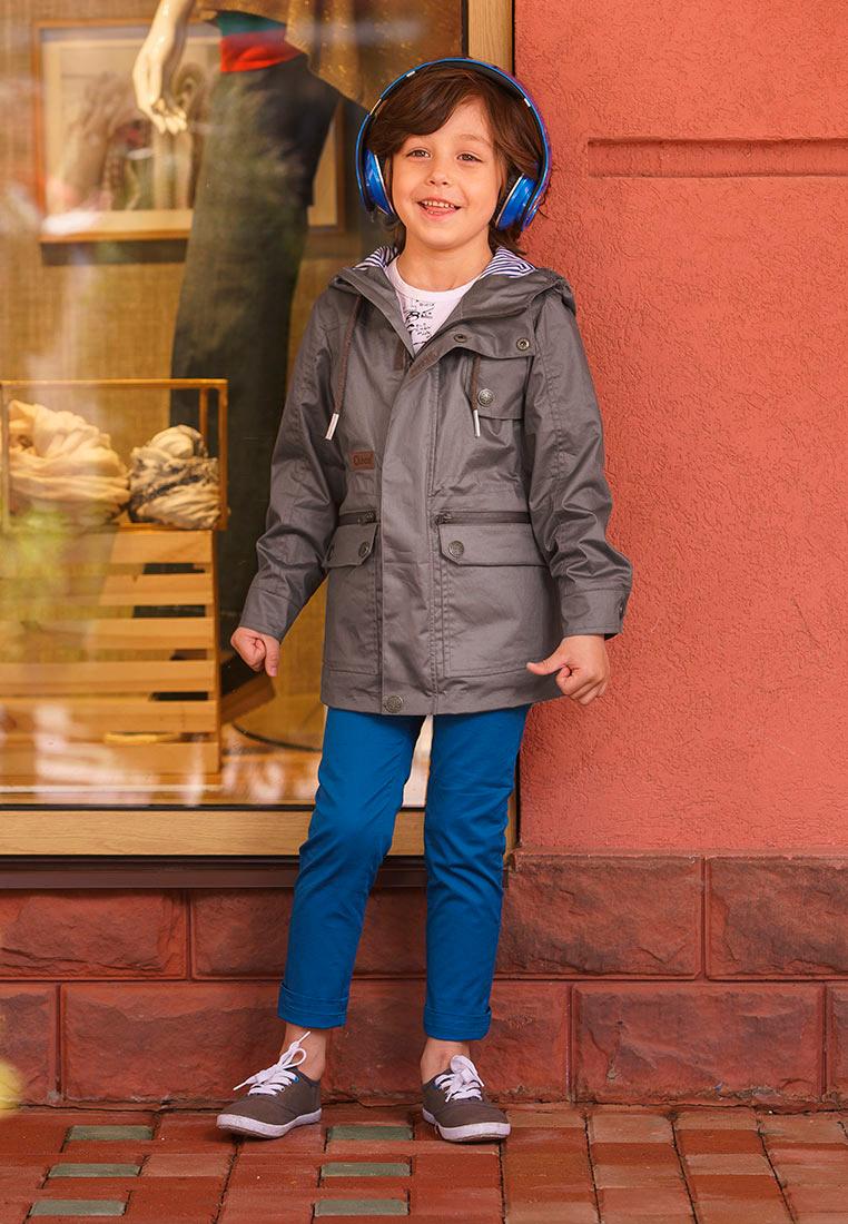 Куртка для мальчика Oldos Конн, цвет: серый. 3O8JK07-1. Размер 104, 4 года3O8JK07-1Модная и стильная куртка от OLDOS - прекрасное дополнение к любому гардеробу. Внешняя ткань с водо-грязеотталкивающей пропиткой защищает от ветра и дождя. Принтованная подкладка из бязи - 65% полиэстер, 35% хлопок. Куртка хорошо защитит от ветра благодаря капюшону с внутренней резинкой по краям для лучшего прилегания, двойной ветрозащитной планке по всей длине молнии с защитой подбородка, внутренней утяжке по талии, манжетам на кнопке. Карманы накладные на кнопках и прорезные на молнии. Светоотражающие элементы.