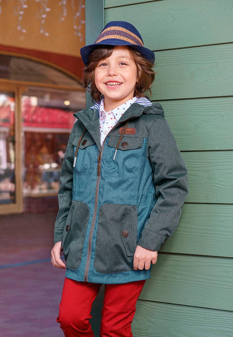 Куртка для мальчика Oldos Рэй, цвет: синий, серый. 3O8JK09-1. Размер 122, 7 лет3O8JK09-1Модная куртка от OLDOS - прекрасное дополнение к любому гардеробу. Внешняя ткань с водо-грязеотталкивающей пропиткой защищает от ветра и дождя. Принтованная подкладка из бязи - 65% полиэстер, 35% хлопок. Куртка хорошо защитит от ветра благодаря капюшону с внутренней резинкой по краям для лучшего прилегания, внутренней утяжке по талии, манжетам на кнопке. Модель дополнена накладными карманами с клапанами и светоотражающими элементами.