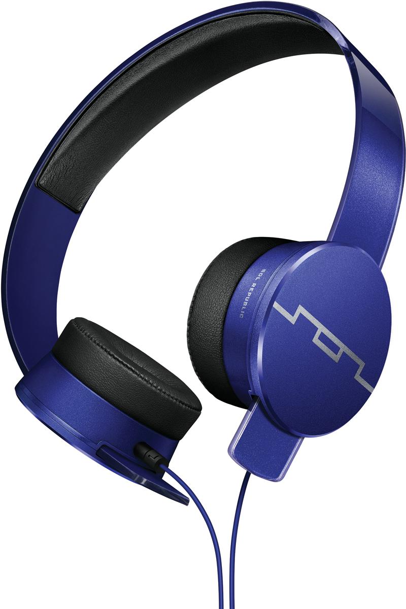 Sol Republic SOL-HP1251BL Master Tracks HD2, Blue наушникиSOL-HP1251BLНакладные наушники Sol Republic Tracks отличаются от всех наушников своей разборной конструкцией и прочностью. Первые в мире наушники - конструкторы. Вы можете с легкостью разобрать их, ведь оголовье, кабель и чашки абсолютно независимые детали. Практически неразрушимые: изготовленное из передовых полимеров оголовье FlexTech™ Sound Track выдержит любые испытания. Скручивайте, сгибайте, бросайте их – они не сломаются. Мягкие амбушюры SonicSoft обеспечивают хорошую звукоизоляцию и сохраняют комфорт на протяжении долгих часов прослушивания. Сердца Tracks- динамики V10 sound engine, будут радовать вас своим звучанием высокого разрешения с глубокими басами и кристально чистой передачей вокала. Благодаря управлению на съемном кабеле вы сможете отвечать на звонки, воспроизводить/ останавливать/переключать треки. Регулировка громкости осуществляется на Apple устройствах. Философия бренда заключается в том, что для каждого момента в вашей жизни существует свой саундтрек. И имеено поэтому первая часть названия бренда SOL расшифровывается как Soundtrack of your Life, что в переводе значит Саундрек вашей жизни. Sol Republic это не только качественный звук, но и яркий модный аксессуар, дополняющий образ.