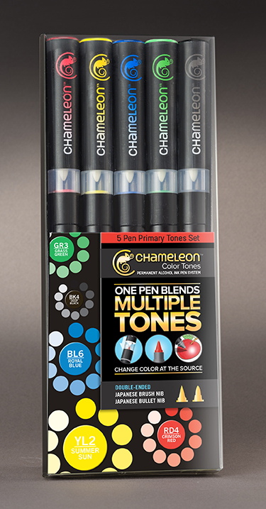 Chameleon Набор маркеров Primary Tones 5 штCT0502Спиртовые маркеры Chameleon Color Tones идеально подходят для скетчинга, манги и графики. Каждый маркер позволяет получить градиент от самого светлого до самого насыщенного оттенка выбранного цвета. Просто совместите перо и смешивающую камеру, измените оттенок цвета пера и создайте бесшовные переходы. Благодаря Chameleon палитра маркеров становится гораздо шире, чем цвет, указанный на колпачке. Создавайте потрясающие эффекты, такие как 3D, плавные и бесшовные смешивания и градиенты, выделения и затемнения. Маркеры Chameleon имеют два японских пера: эластичное перо-кисть и перо пулевидной формы. Маркеры не токсичны и практически не имеют запаха. Дополнительные характеристики: - спиртовые чернила профессионального качества; - сменные перья; - два японских пера: эластичное перо-кисть и пулевидное перо; - чернила устойчивы на большинстве поверхностей; - совместимы с другими спиртовыми чернилами; - нетоксичны и практически без запаха; - идеально подходят для скетчинга, манги и графики; - набор маркеров 5 шт, основные цвета;