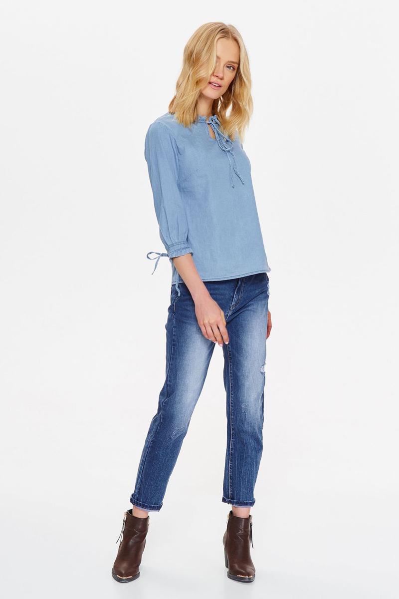 Блузка женская Top Secret, цвет: синий. SBD0809NI. Размер 34 (42)SBD0809NIБлузка от Top Secret выполнена из натурального хлопка. Модель с рукавами 3/4 и круглым вырезом горловины на груди дополнена завязками.