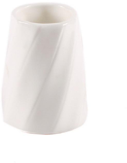 Подставка для зубочисток Nuova Cer Mayfair, 5 смB1642ROYAL новый уникальный продукт на рынке фарфора производится из материала, в состав которого входит алюминиум (глинозем) в виде порошка, что придаёт фарфору уникальные свойства: белоснежный цвет, как на поверхности, так и на изломе, более тонкие и изящные формы, так как добавление металла делает фарфоровую массу более пластичной, устойчивость к сколам и царапинам. Возможный перепад температур при эксплуатации до 200 градусов! Фарфор покрывается глазурью, что характеризует эту посуду как продукт высшего класса. Идеально подходит для использования в микроволновой печи и посудомоечной машине