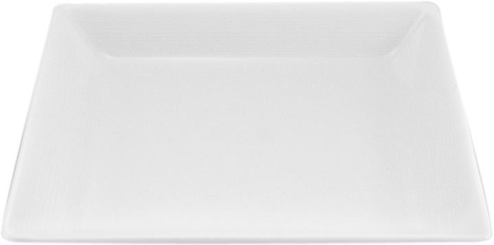 Тарелка Nikko, 20 х 20 смРП-11700-4713НФарфоровые изделия из Японии маркируются на донышке обозначением «CHINA. Made in Japan».«CHINA»-это международное обозначение высококачественного фарфора, происходящее от искаженного титула китайского императора, владеющего монополией на производство фарфора. Обозначение «Bone China» соответствует утонченному и изысканному костяному фарфору, популярность которого сейчас высока как никогда. Фирма «NIKKO» является одной из самых ведущих фабрик на мировом рынке по производству костяного фарфора.Технология изготовления костяного фарфора многоступенчата. В фарфоровую массу добавляется костяная мука, что позволяет сделать изделие более прочным и тонкостенным. В процессе изготовления костяного фарфора изделия из данного состава поддаются формовке: их можно выполнить тонкостенными, придать различные формы: блюдца с ажурным краем, чашки на тонких ножках с витыми ручками. Фарфор фабрики «NIKKO» на 60% изготавливается ручным способом. Костяной фарфор «NIKKO»-наиболее совершенный. Среди профессионалов считается, что по качеству и красоте аналогов такого фарфора нет. Своим чистым белым цветом и прозрачностью японский фарфор завоевал отличную репутацию и первое место по продажам на мировом рынке