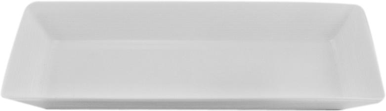 Тарелка прямоугольная Nikko, 23 смРП-11700-4724НФарфоровые изделия из Японии маркируются на донышке обозначением «CHINA. Made in Japan».«CHINA»-это международное обозначение высококачественного фарфора, происходящее от искаженного титула китайского императора, владеющего монополией на производство фарфора. Обозначение «Bone China» соответствует утонченному и изысканному костяному фарфору, популярность которого сейчас высока как никогда. Фирма «NIKKO» является одной из самых ведущих фабрик на мировом рынке по производству костяного фарфора.Технология изготовления костяного фарфора многоступенчата. В фарфоровую массу добавляется костяная мука, что позволяет сделать изделие более прочным и тонкостенным. В процессе изготовления костяного фарфора изделия из данного состава поддаются формовке: их можно выполнить тонкостенными, придать различные формы: блюдца с ажурным краем, чашки на тонких ножках с витыми ручками. Фарфор фабрики «NIKKO» на 60% изготавливается ручным способом. Костяной фарфор «NIKKO»-наиболее совершенный. Среди профессионалов считается, что по качеству и красоте аналогов такого фарфора нет. Своим чистым белым цветом и прозрачностью японский фарфор завоевал отличную репутацию и первое место по продажам на мировом рынке