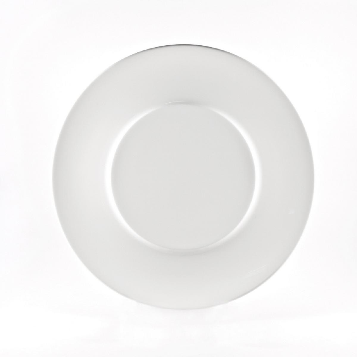 Тарелка Royal Porcelain Гонг, 19 смРП-8705ROYAL новый уникальный продукт на рынке фарфора производится из материала, в состав которого входит алюминиум (глинозем) в виде порошка, что придаёт фарфору уникальные свойства: белоснежный цвет, как на поверхности, так и на изломе, более тонкие и изящные формы, так как добавление металла делает фарфоровую массу более пластичной, устойчивость к сколам и царапинам. Возможный перепад температур при эксплуатации до 200 градусов! Фарфор покрывается глазурью, что характеризует эту посуду как продукт высшего класса. Идеально подходит для использования в микроволновой печи и посудомоечной машине