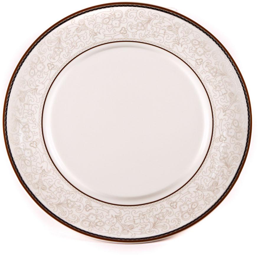Тарелка Royal Porcelain Кассие, диаметр 16 смРП-CS8706ROYAL новый уникальный продукт на рынке фарфора производится из материала, в состав которого входит алюминиум (глинозем) в виде порошка, что придаёт фарфору уникальные свойства: белоснежный цвет, как на поверхности, так и на изломе, более тонкие и изящные формы, так как добавление металла делает фарфоровую массу более пластичной, устойчивость к сколам и царапинам. Возможный перепад температур при эксплуатации до 200 градусов! Фарфор покрывается глазурью, что характеризует эту посуду как продукт высшего класса. Идеально подходит для использования в микроволновой печи и посудомоечной машине
