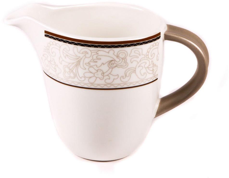 Молочник Royal Porcelain Кассие, 300 млРП-CS8727Элегантный молочник Royal Porcelain, выполненный из высококачественного фарфора с глазурованным покрытием, предназначен для подачи сливок, соуса и молока. Изящный, но в тоже время простой дизайн молочника, станет прекрасным украшением стола.