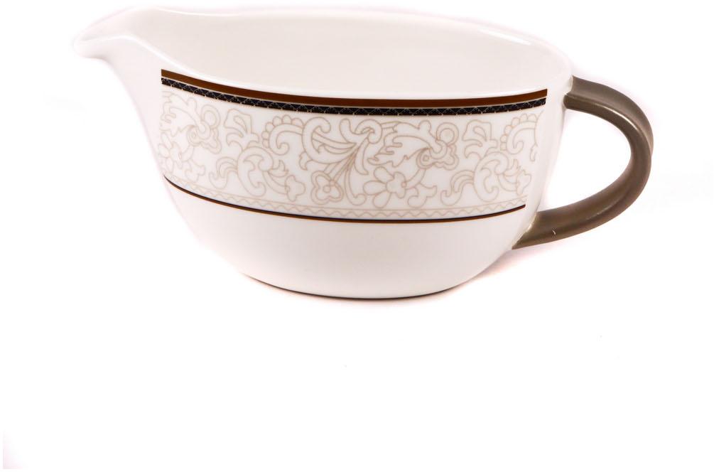 Соусник Royal Porcelain Кассие, 200 млРП-CS8742ROYAL новый уникальный продукт на рынке фарфора производится из материала, в состав которого входит алюминиум (глинозем) в виде порошка, что придаёт фарфору уникальные свойства: белоснежный цвет, как на поверхности, так и на изломе, более тонкие и изящные формы, так как добавление металла делает фарфоровую массу более пластичной, устойчивость к сколам и царапинам. Возможный перепад температур при эксплуатации до 200 градусов! Фарфор покрывается глазурью, что характеризует эту посуду как продукт высшего класса. Идеально подходит для использования в микроволновой печи и посудомоечной машине