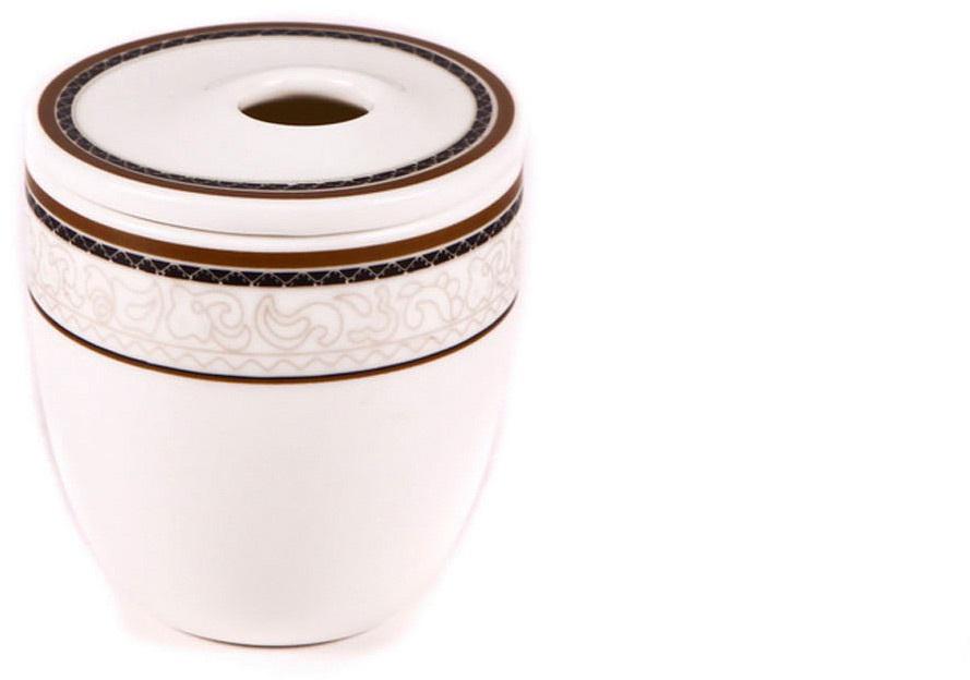 Банка для приправ Royal Porcelain Кассие, 100 млРП-CS8756ROYAL новый уникальный продукт на рынке фарфора производится из материала, в состав которого входит алюминиум (глинозем) в виде порошка, что придаёт фарфору уникальные свойства: белоснежный цвет, как на поверхности, так и на изломе, более тонкие и изящные формы, так как добавление металла делает фарфоровую массу более пластичной, устойчивость к сколам и царапинам. Возможный перепад температур при эксплуатации до 200 градусов! Фарфор покрывается глазурью, что характеризует эту посуду как продукт высшего класса. Идеально подходит для использования в микроволновой печи и посудомоечной машине