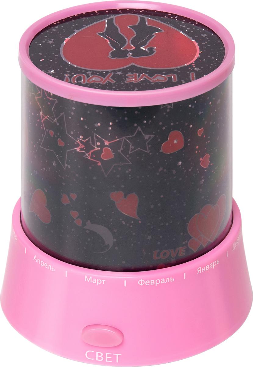 Проектор звездного неба Ruges Осмо, цвет: розовыйD-34Проектор звездного неба Осмо - дает достаточно света, чтобы ваш ребенок не боялся вставать ночью и чтобы не задевать мебель и углы в темной комнате. Три цвета меняются попеременно (синий, зеленый, красный). Дополнительно имеется обычный свет. Можно комбинировать цвета. Имеется регулятор, позволяющий менять мозаику звездного неба (по принципу работы калейдоскопа). Размер: 12 х 10,5 х 10,5 см. Вес: 120 г. Работает от 3 батареек АА (не входят в комплект). Инструкция на русском языке. USB провод, дополнительный трафарет 1 шт.