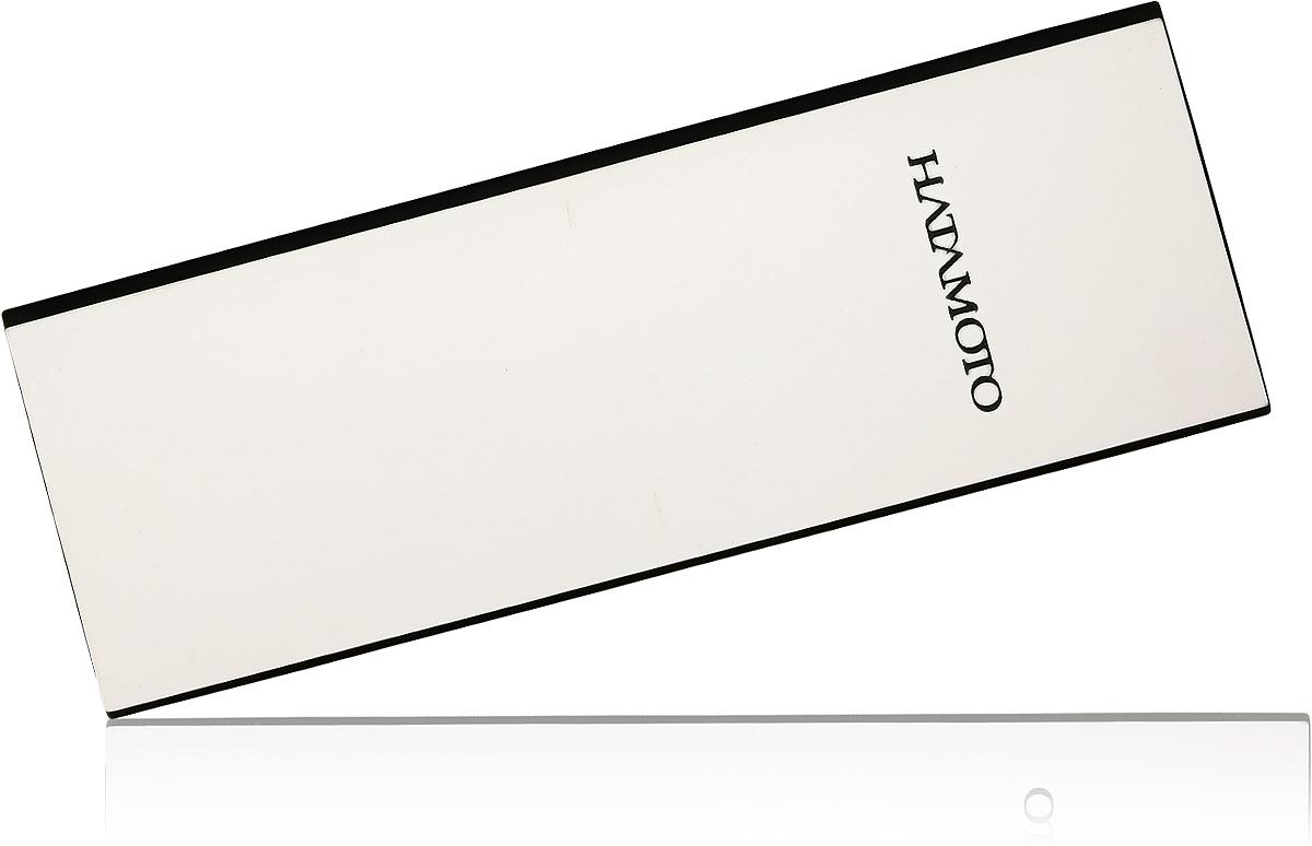 Камень точильный Hatamoto двухсторонний комбинированный. Зернистость одной стороны #1000 оптимальна для грубой первичной заточки, а второй #3000 - для финишной завершающей. Размер точильного камня 180*60*27мм удобен для как для профессионального, так и домашнего использования.