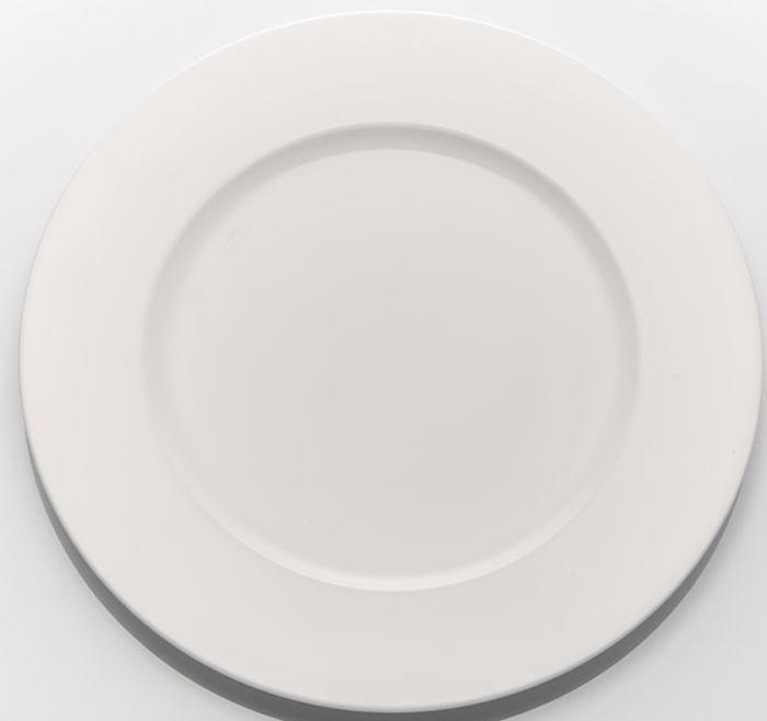 Набор обеденных тарелок Tudor England, диаметр 26,7 см, 6 штTUB06005 BOXTudor England Набор тарелок обеденных 26.7 см 1. Материал - костяной фарфор 2. Цвет- молочный 3. Можно использовать в микроволновой печи 4. Можно использовать в посудомоечной машине
