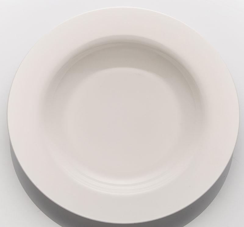 """Набор """"Tudor England"""", изготовленный из  высококачественного фарфора, состоит из 6 глубоких тарелок, которые имеют  классическую  круглую форму. Такой набор прекрасно впишется в интерьер  вашей кухни и  станет достойным дополнением к кухонному инвентарю.  Набор глубоких тарелок """"Tudor England"""" подчеркнет  прекрасный вкус хозяйки и станет отличным подарком."""