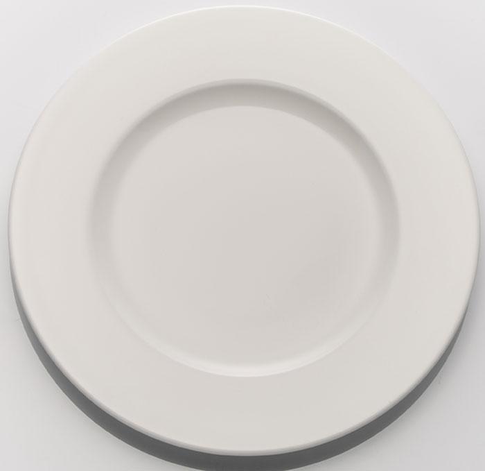 Набор обеденных тарелок Tudor England, диаметр 20 см, 6 штTUB17080 BOXTudor England Набор тарелок десертных 20 см 1. Материал - костяной фарфор 2. Цвет- молочный 3. Можно использовать в микроволновой печи 4. Можно использовать в посудомоечной машине