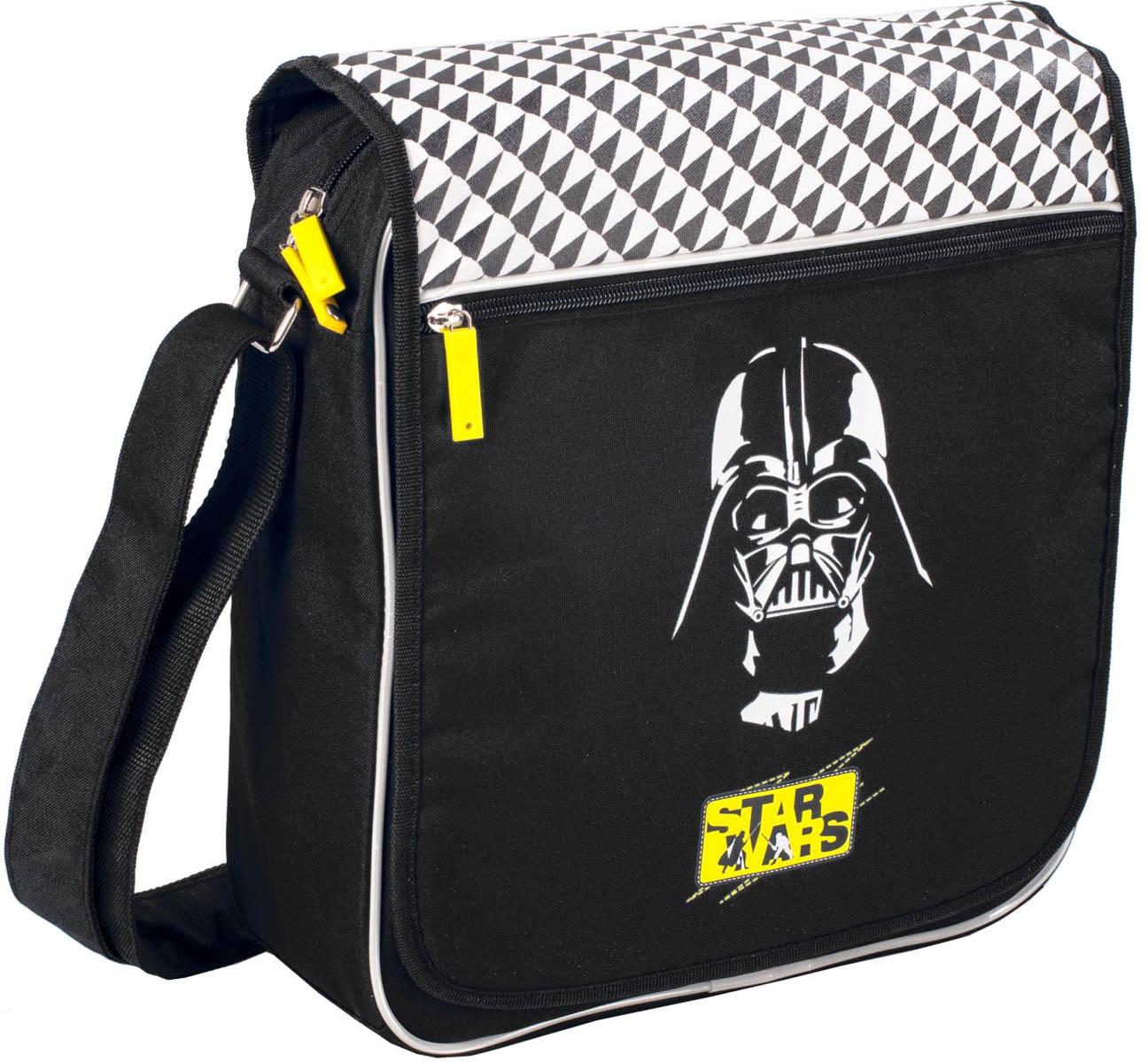 Erich Krause Сумка школьная Darth Vader39272Школьная сумка имеет прямоугольную форму и удобный размер 30 х 33 см. Сумка достаточно вметительная.Имеется один большой основной отсек и один дополнительный. Последний располагается на своего рода «крышке» сумки и застегивается с помощью замка-молнии. Удобный регулируемый ремень для переноски позволяет носить сумку на плече или через плечо . Изготовлена из современного материала высоко качества, не содержащего в своем составе вредных или опасных для здоровья ребенка веществ.