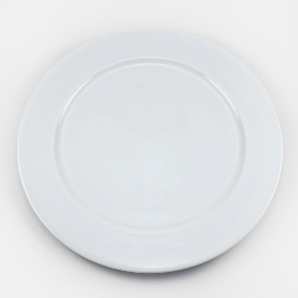 Тарелка Royal Porcelain Ascot, диаметр 31 смB1067ROYAL новый уникальный продукт на рынке фарфора производится из материала, в состав которого входит алюминиум (глинозем) в виде порошка, что придаёт фарфору уникальные свойства: белоснежный цвет, как на поверхности, так и на изломе, более тонкие и изящные формы, так как добавление металла делает фарфоровую массу более пластичной, устойчивость к сколам и царапинам. Возможный перепад температур при эксплуатации до 200 градусов! Фарфор покрывается глазурью, что характеризует эту посуду как продукт высшего класса. Идеально подходит для использования в микроволновой печи и посудомоечной машине