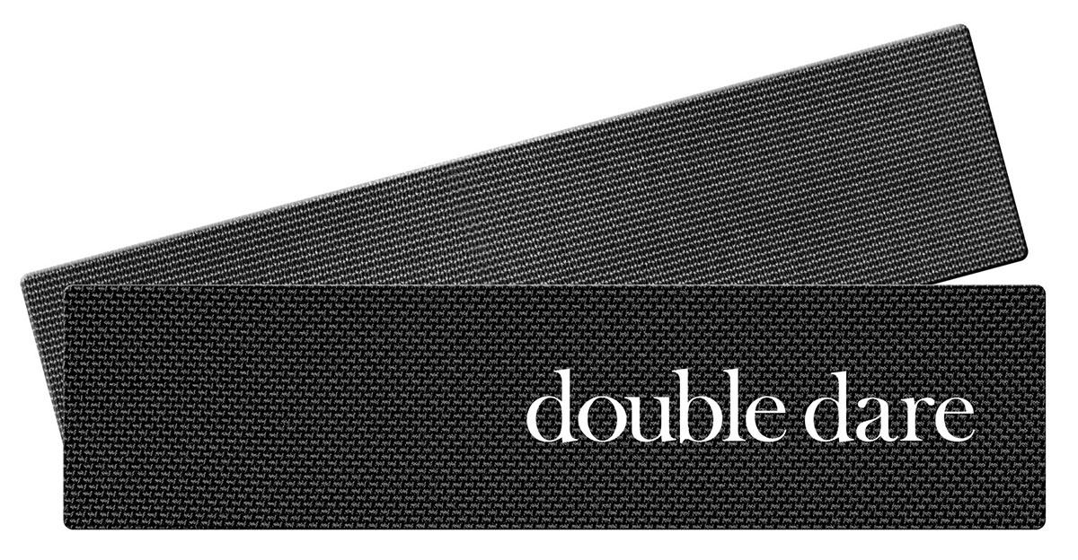 Double Dare Jet Jetcro Липучки для фиксации волос во время косметических процедур, 2 шт012262Липучки Jetcro для фиксации волос во время косметических процедур, 2 шт. (Double Dare Jet Jetcro Patch (2PCS))Липучки Jetcro помогают убрать и зафиксировать волосы во время нанесения масок, макияжа или занятия спортом. Особое строение зубчиков не спутывает волосы и не оставляет заломов. В отличии от обычной липучки, у Jetcro прямые ровные зубчики, которые легко скользят по волосам и не портят прическу.Применение: Хорошо расчешите волосы. Проведите липучкой по волосам от корней до нужного уровня, чтобы закрепить прядь.