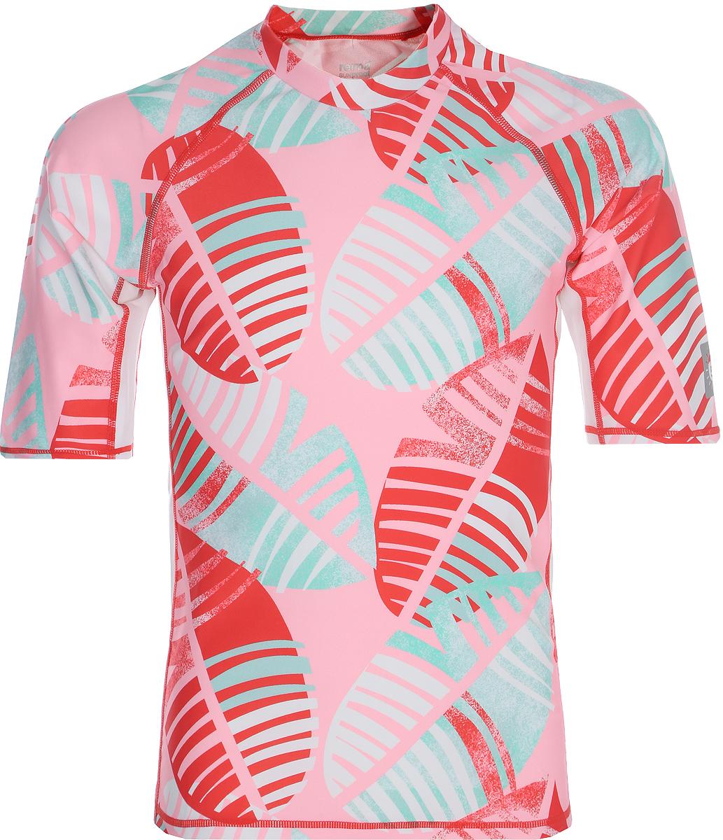 Футболка для плавания детская Reima Fiji, цвет: светло-розовый. 5362683341. Размер 1045362683341Футболка от Reima для детей из материала Reima SunProof разработана для игр на солнце и в воде. Материал с УФ-фактором защиты 50+ обеспечивает великолепную защиту нежной коже. Футболка идеально подходит для пляжа: рукава до локтя и удлиненный подол сзади обеспечивают защиту как в воде, так и на песке.